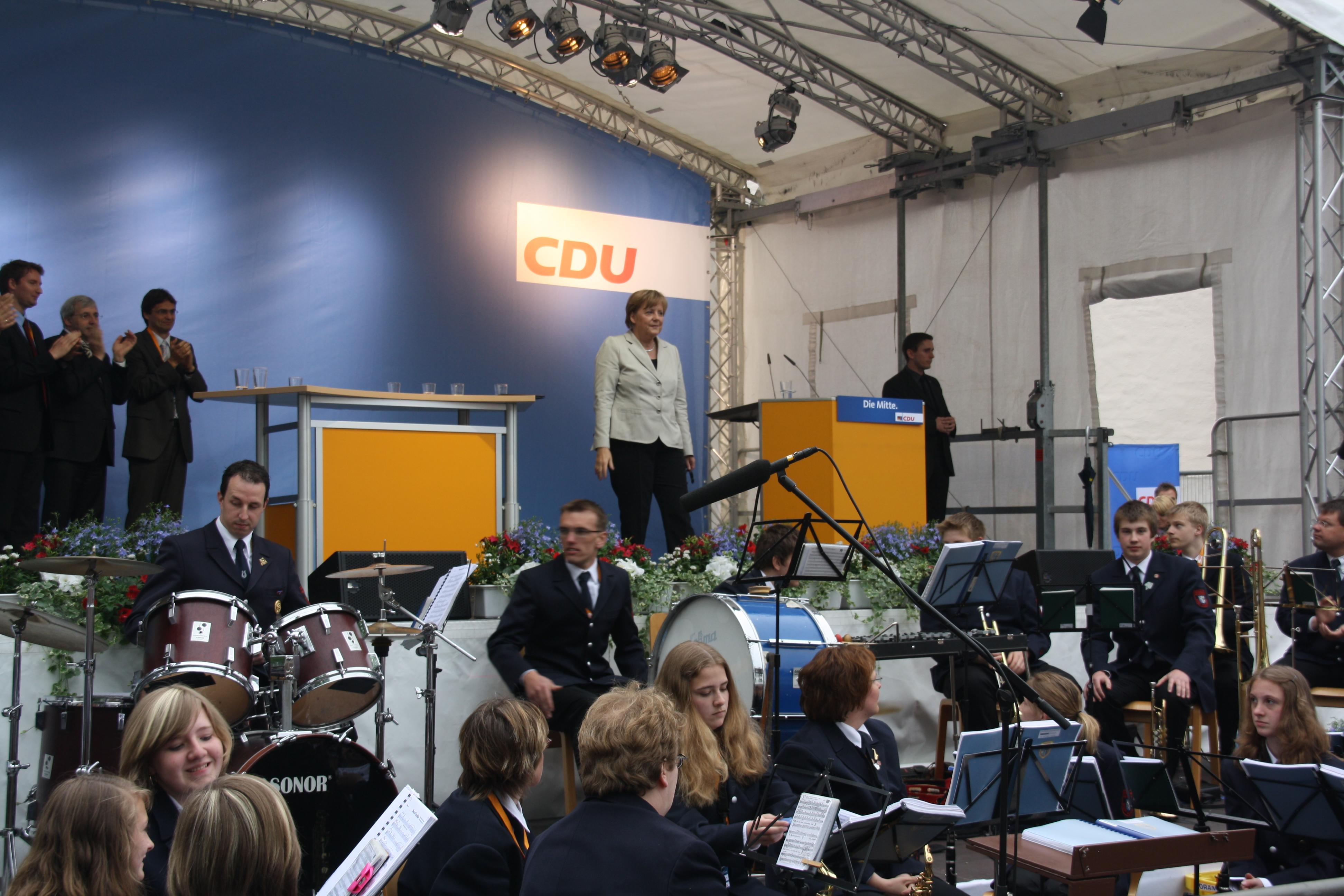 Angela Merkel in Meschede und wir machen Musik